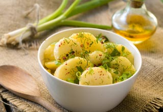 Spring Onions with potatoes